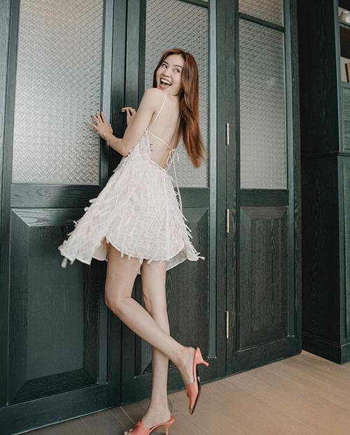 10 mẫu váy giúp nàng dễ thở trong ngày nóng - 1
