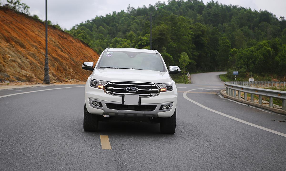 Một chiếc Ford Everest tại Quảng Ninh.