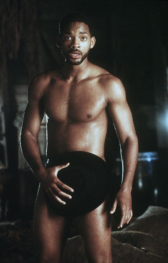 Will Smith khoe cơ thể quyến rũ trong phim Wild Wild West năm 1998.