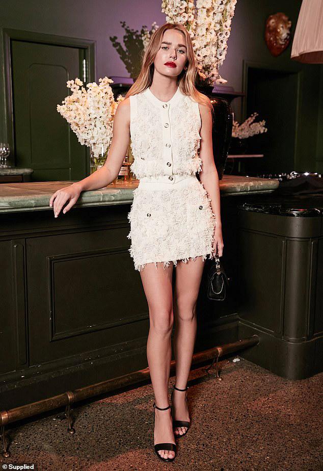 Gabriella Brookssự kiện kỷ niệm 100 năm nước hoa No.5 của Chanel ngày 5/5