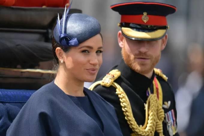 Harry mặc quân phục trong một sự kiện trước khi vợ chồng anh rút khỏi khỏi hoàng gia hồi năm ngoái. Ảnh: AFP.