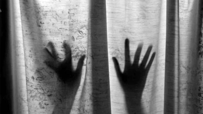 Nữ bệnh nhân Covid-19 ở bang Odisha, Ấn Độ suýt bị hiếp dâm hồi cuối tháng 4. Ảnh minh họa: India Today.