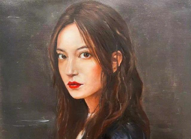 Triệu Vy khoe bức họa cô được tặng.