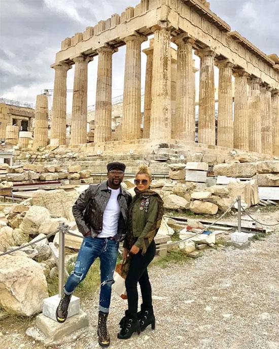 Mayweather và bạn gái trong chuyến đi tới Hy Lạp mùa hè năm ngoái. Ảnh: Instagram.