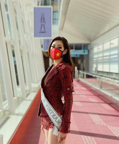 Những ngày đầu đến với cuộc thi hoa hậu thu hút nhất hành tinh, Khánh Vân gây ấn tượng mạnh mẽ bởi cách chăm chút chỉn chu cho hình ảnh và phong cách thời trang.