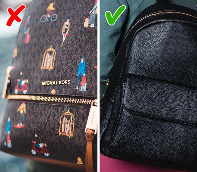 Dùng túi fake lộ liễuĐây là một trong những sai lầm phổ biến nhất mà phái đẹp mắc phải. Những chiếc túi gắn nguyên logo Dior, Chanel, Louis Vuitton... với đường nét, chất liệu khác xa hàng thật chỉ khiến phong cách của bạn giảm giá trị.Giải pháp: Nếu thực sự yêu thích một chiếc túi hàng hiệu nào đó, bạn có thể tìm mua phom dáng tương tự từ các hãng bình dân như Zara, H&M...