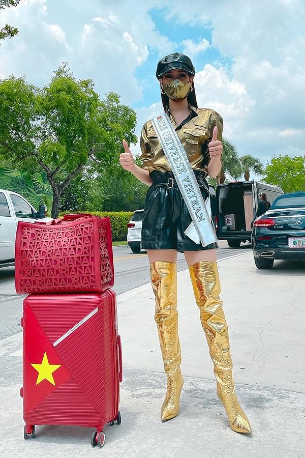 Khánh Vân lên đồ chặt chém đối thủ ngày đầu thi Miss Universe