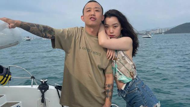 Rapper GAI và vợ.