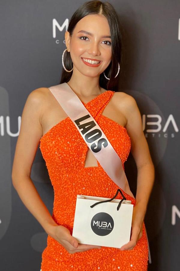 Hoa hậu Lào được khen xinh đẹp, rạng ngời.