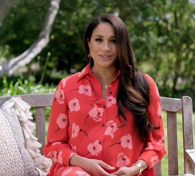 Meghan - Nữ công tước xứ Sussex trong khuôn viên dinh thự ở Montecito, California, Mỹ. Ảnh: Vax Live.
