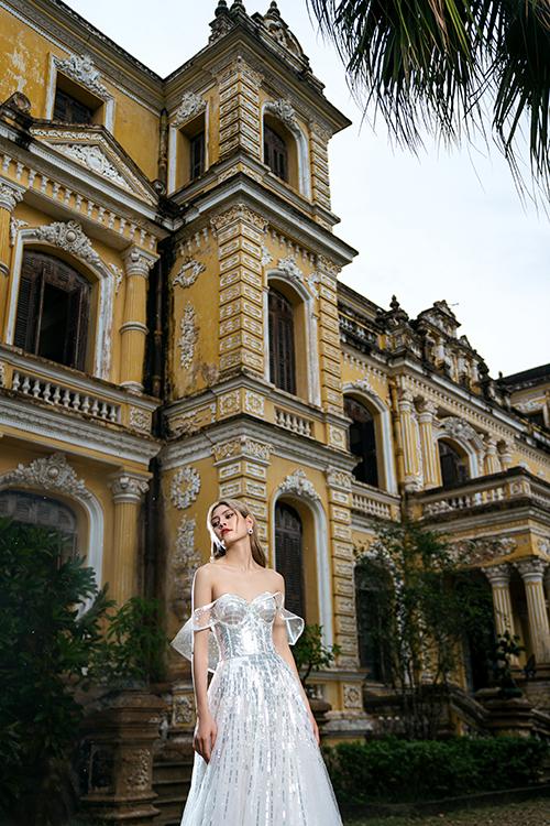 Bộ ảnh được thực hiện bởi người mẫu: Hương Tây, nhiếp ảnh: Hang Đôi, makeup - váy cưới: Thịnh Nguyễn Makeup.