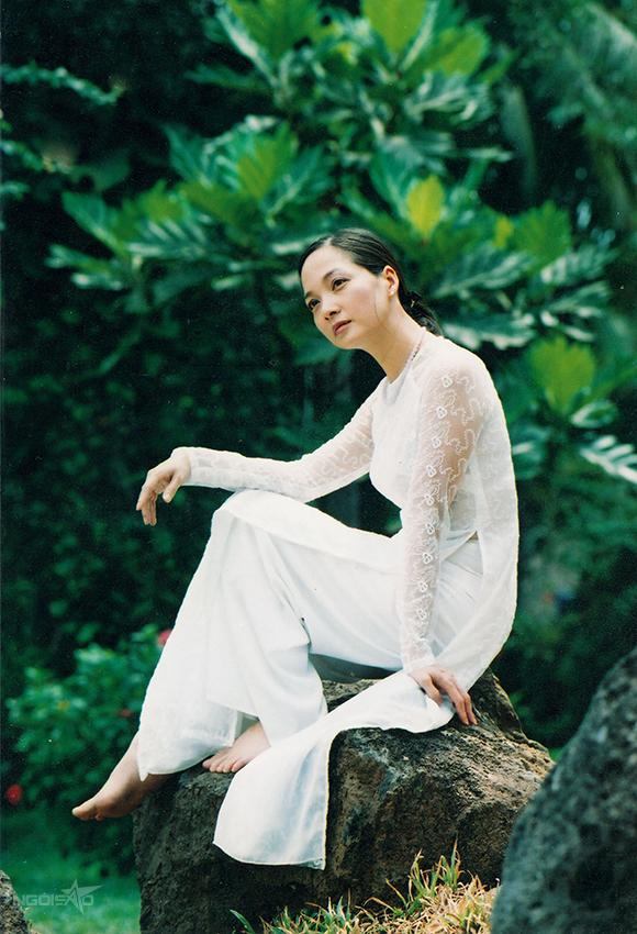 Với tài năng và sự cống hiến hết mình cho nghệ thuật, Lê Khanh từng là người hiếm hoi được phong hai danh hiệu