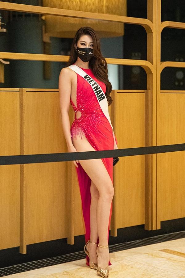 Nhờ đầu tư váy áo đẹp, Khánh Vân luôn trở thành tâm điểm chú ý từ truyền thông và khán giả quốc tế.