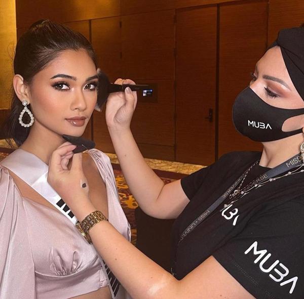 Thuzar Wint Lwin tại Miss Universe ở Florida, Mỹ ngày 9/5.