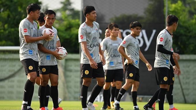Tuyển Thái Lan tập trung tập luyện chuẩn bị cho vòng loại World Cup 2022 từ hôm 7/5 nhưng hiện đã phải dừng vì nhiều thành viên nhiễm Covid-19. Ảnh: FAT.