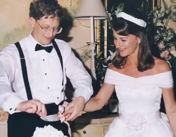 Đám cưới của cặp vợ chồng diễn ra vào năm 1994. Ảnh: Instagram.