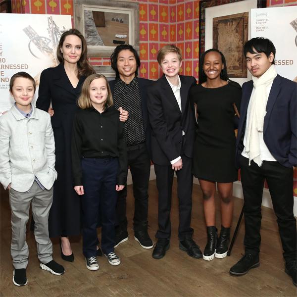 Angelina Jolie và 6 người con.