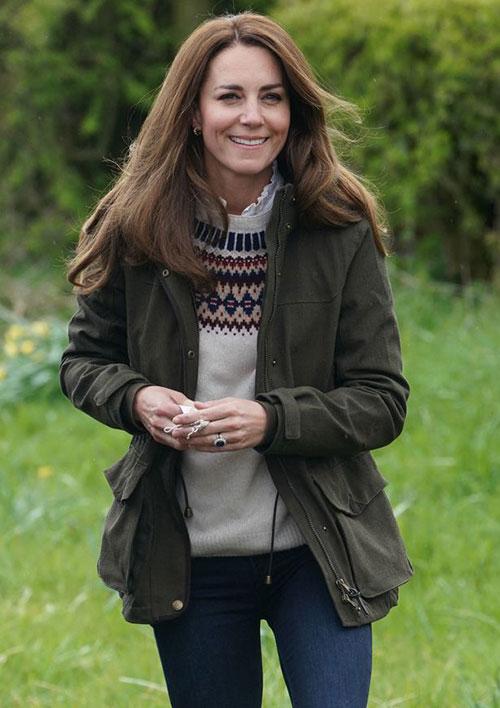Kate sẽ không để Meghan vượt mặt hoàng gia