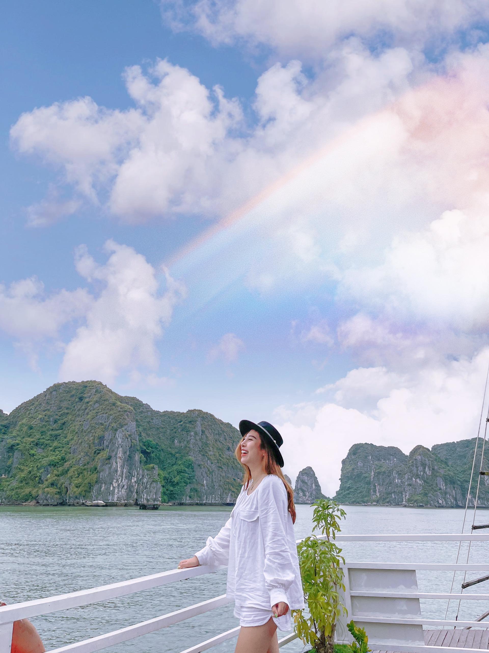 Vịnh Hạ Long – Điểm đến du lịch nổi tiếng ở Quảng Ninh.