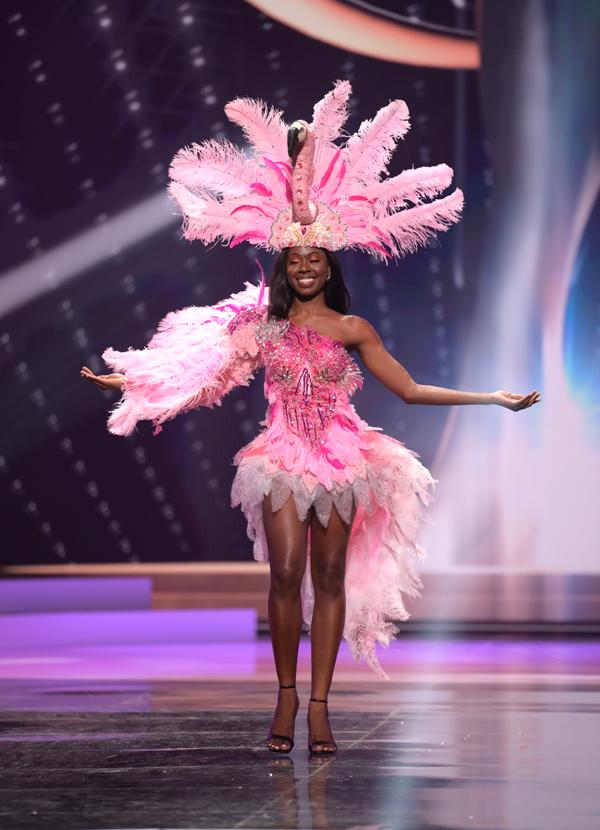 Người đẹp Shabree Frett đến từ British Virgin Islands