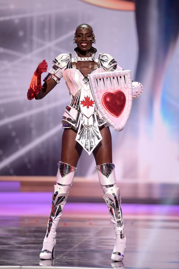 Hoa hậu Canada, Nova Stevens.