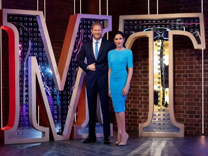Tượng sáp của Harry và Meghan ở vị trí mới trong bảo tàng Madame Tussauds ở London. Ảnh: Reuters.