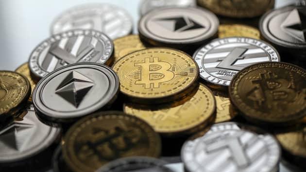 Hình ảnh những đồng coin mô phỏng các đồng tiền ảo. Ảnh: CNBC.