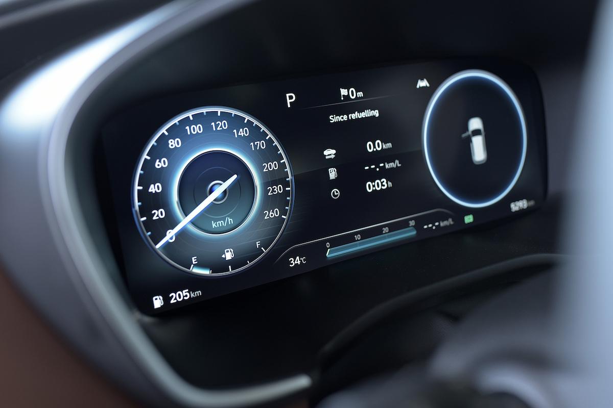 Cụm đồng hồ thông tin trên Hyundai Santa Fe 2021.