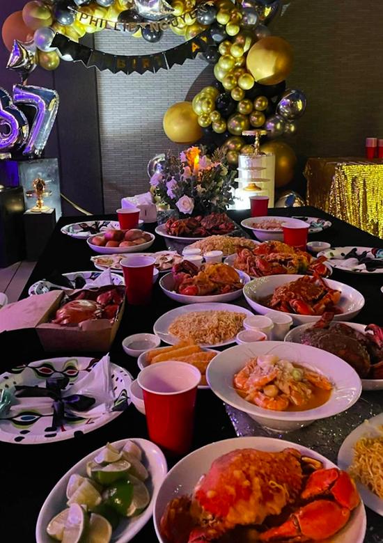 Tiệc sinh nhật Phillip Nguyễn ngập hải sản nhà hàng Hà Tăng - 1