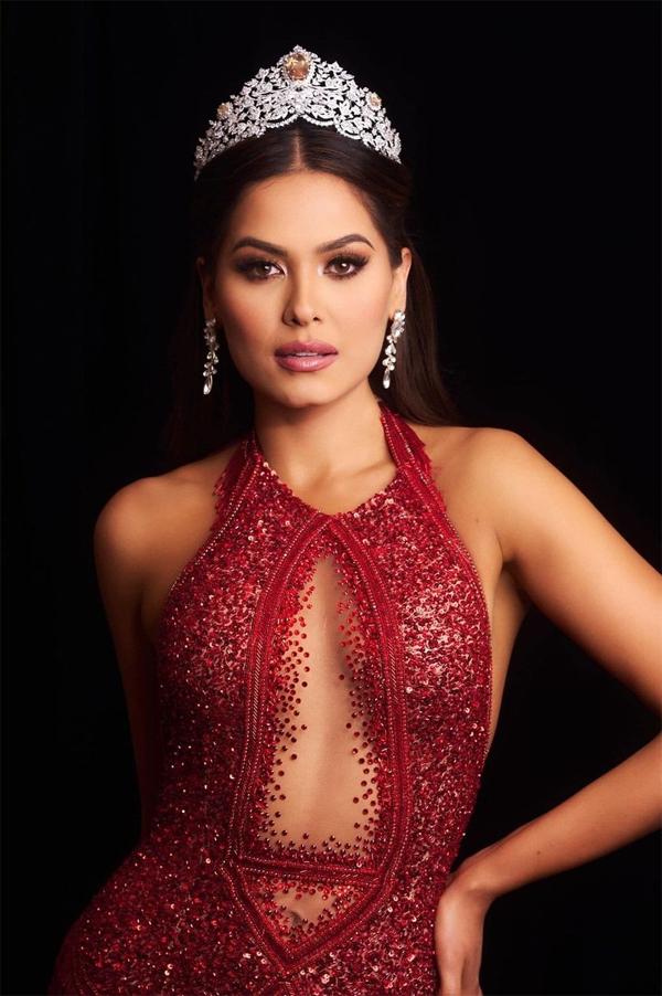 Andrea Meza vừa đăng quang Miss Universe 2020.