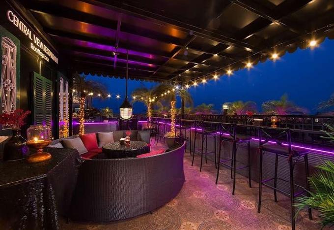 Bốn khách sạn có tầng thượng đẹp nhất thế giới ở Hà Nội - 3