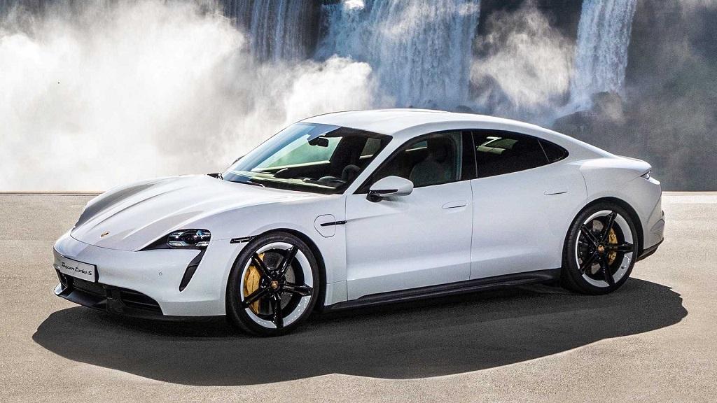 Taycan là xe thuần điện đầu tiên của Porsche.
