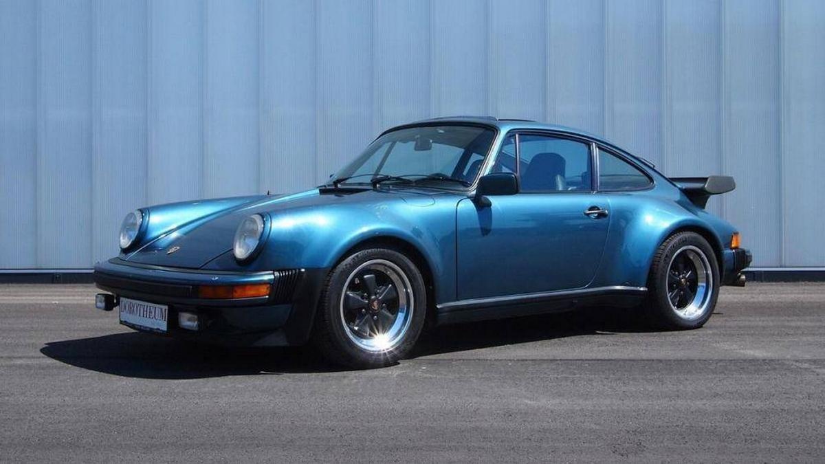 Mẫu Porsche 911 đời 1979 của Bill Gates.