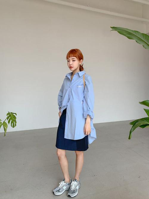 Ở mùa thời trang năm ngoái, gam xanh blue, xanh dương và classic blue là xu hướng được yêu thích nhất. Bước qua mùa thời trang mới, nó tiếp tục được phái đẹp đón nhận.