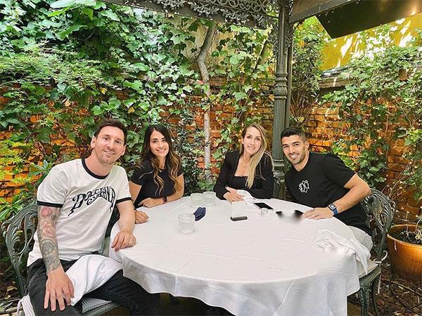 Vợ chồng Messi và vợ chồng Suarez cùng đi ăn trưa ở Madrid. Ảnh: Instagram.