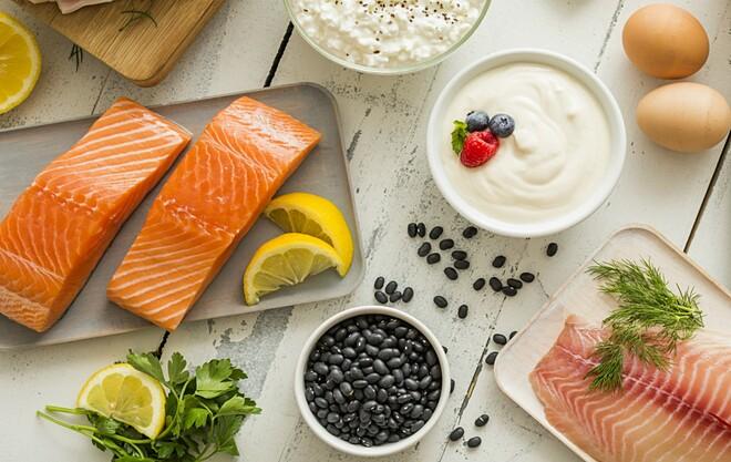 Bốn giai đoạn của chế độ ăn Dukan giúp giảm cân an toàn, bền vững.