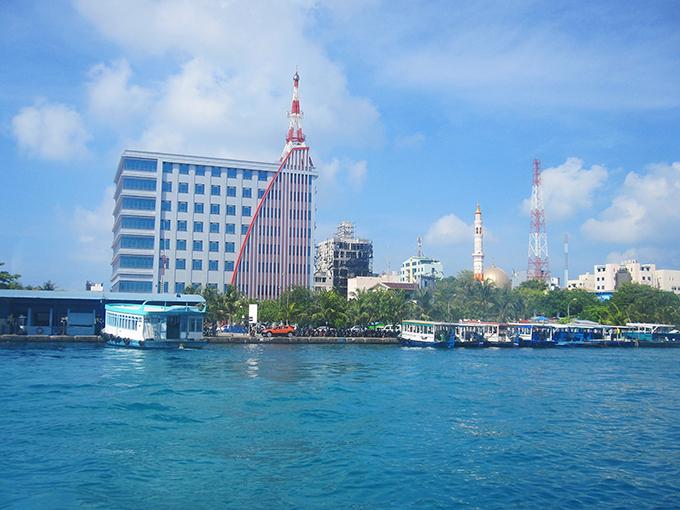Thủ đô Male nhìn từ bến phà