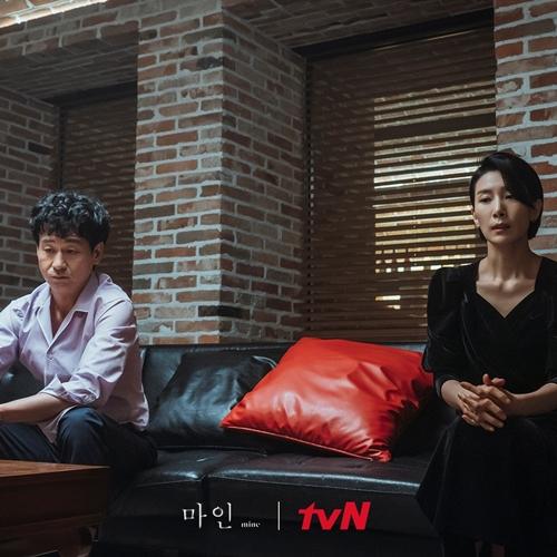 Cuộc hôn nhân của Soo Hyung sớm đã nguội lạnh.