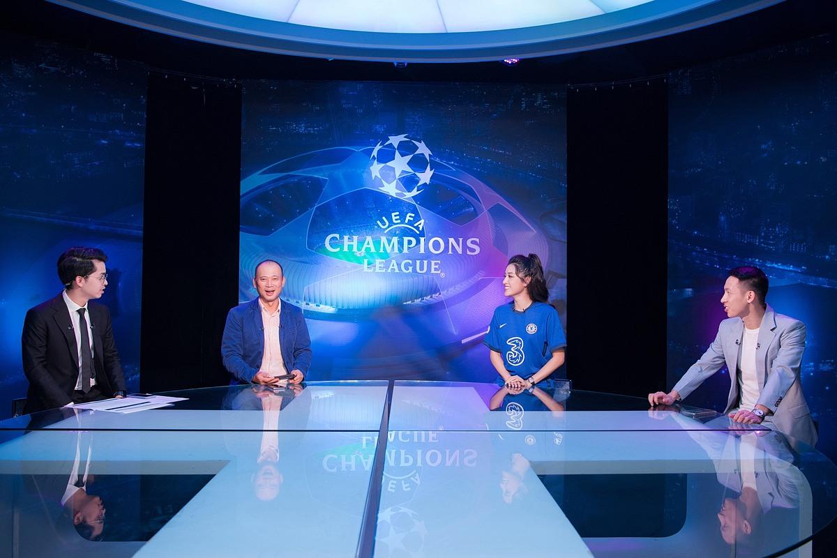 Rạng sáng 30/5, Á hậu Việt Nam 2014 tham gia buổi giao lưu và tường thuật trận chung kết Champions League 2020-2021 giữa Chelsea và Man City. Cô cũng là bóng hồng duy nhất xuất hiện trong chương trình.