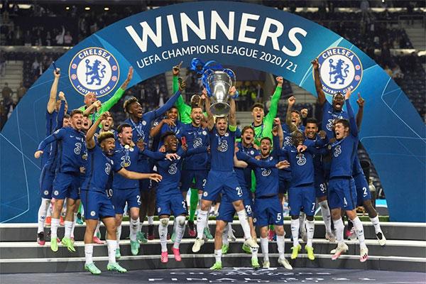 Vượt qua đồng hương Man City, Chelsea lần thứ hai đăng quang Champions League sau 9 năm.