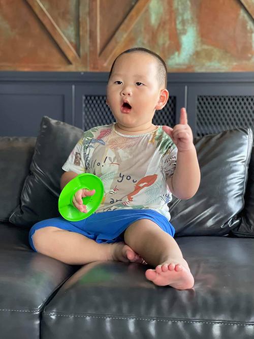Nhóc tỳ sao Việt diện trang phục cute - 2