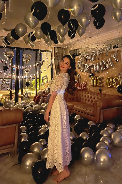 Hòa Minzy đón sinh nhật tuổi 26.