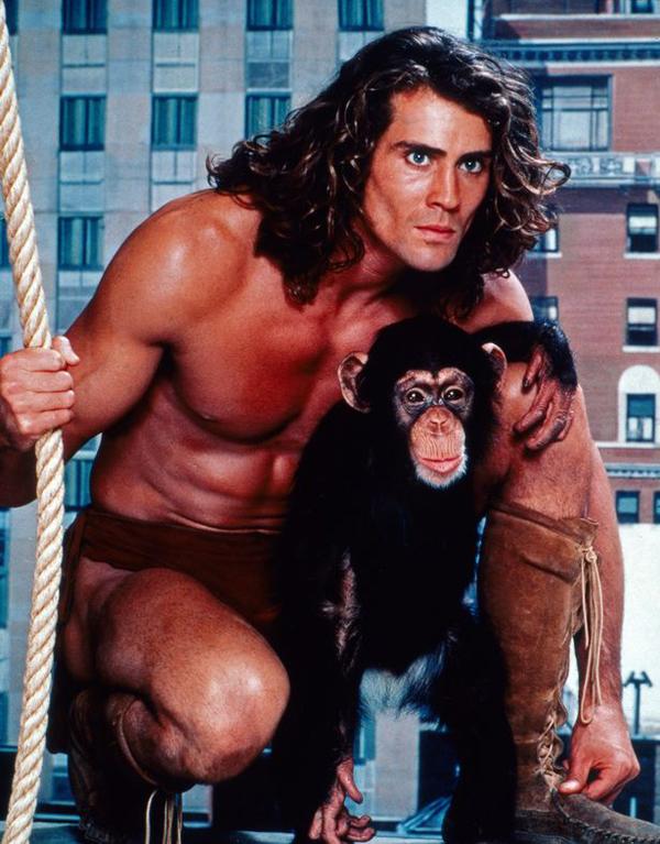 Joe Lara trong vai Tarzan.