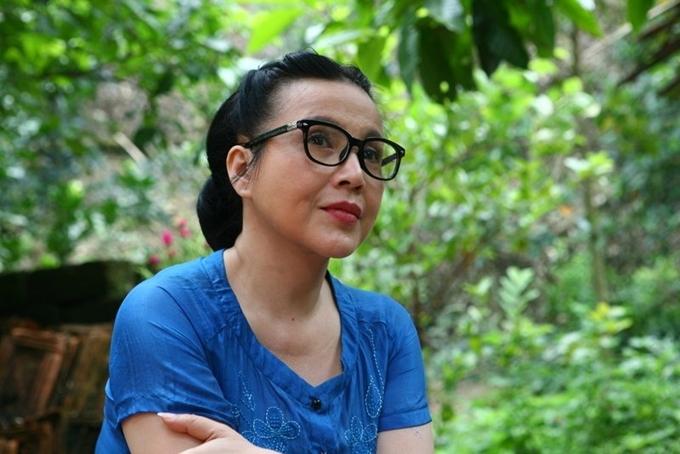 NSND Lan Hương ở tuổi U60 khi đóng phim Sống chung với mẹ chồng năm 2017. Ở tuổi trung niên, chị vẫn được yêu quý gọi là Lan Hương em bé Hà Nội.