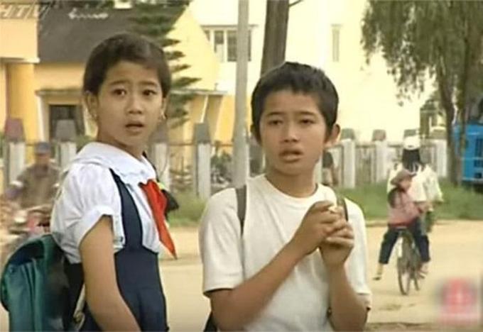 Cố diễn viên Mai Phương có vai chính đầu tay vào năm 12 tuổi, trong phim Đôi bạn, đóng chung với nam diễn viên Phùng Ngọc.