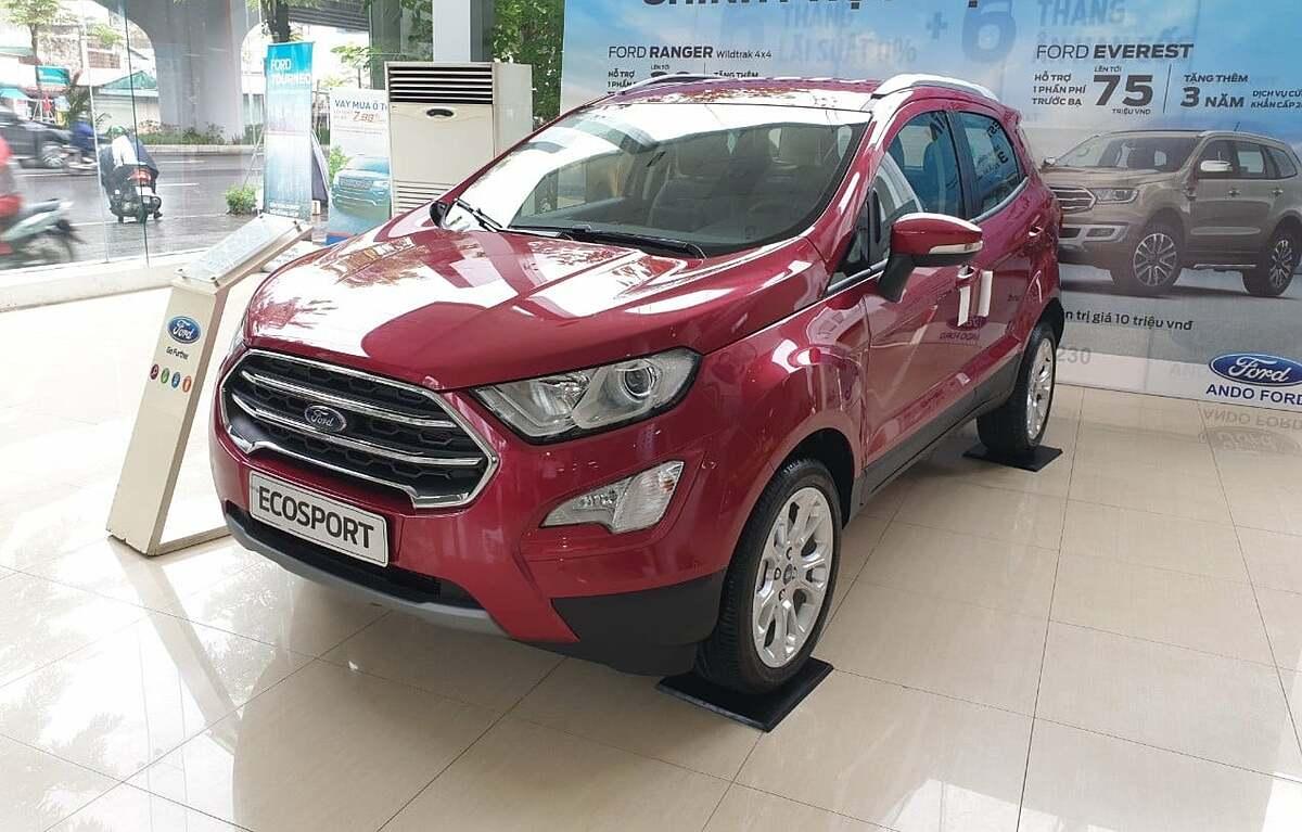 Ford EcoSport tại đại lý ở Hà Nội.