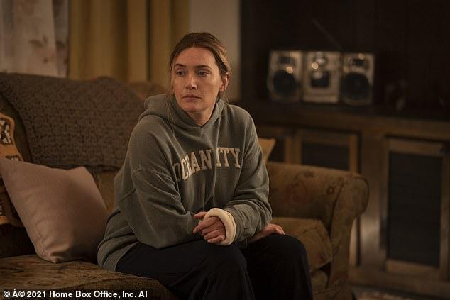 Kate vào vai một nữ thám tử đồng thời là một người mẹ, người bà.