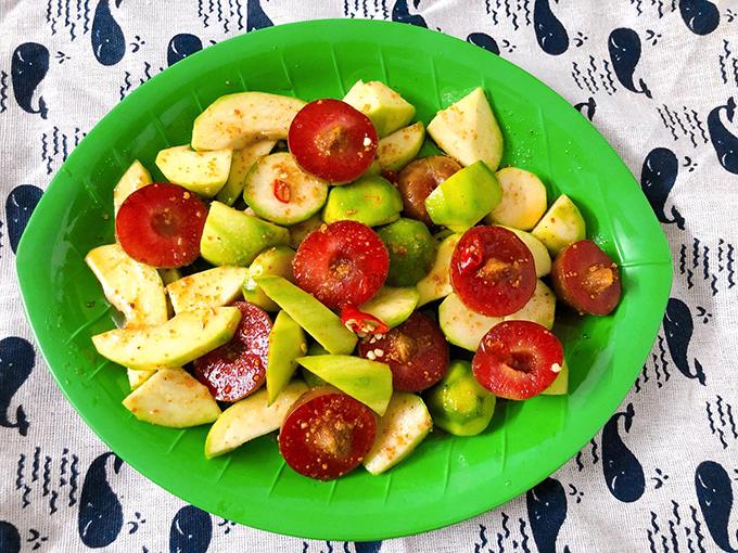 Trái cây trộn muối ớt