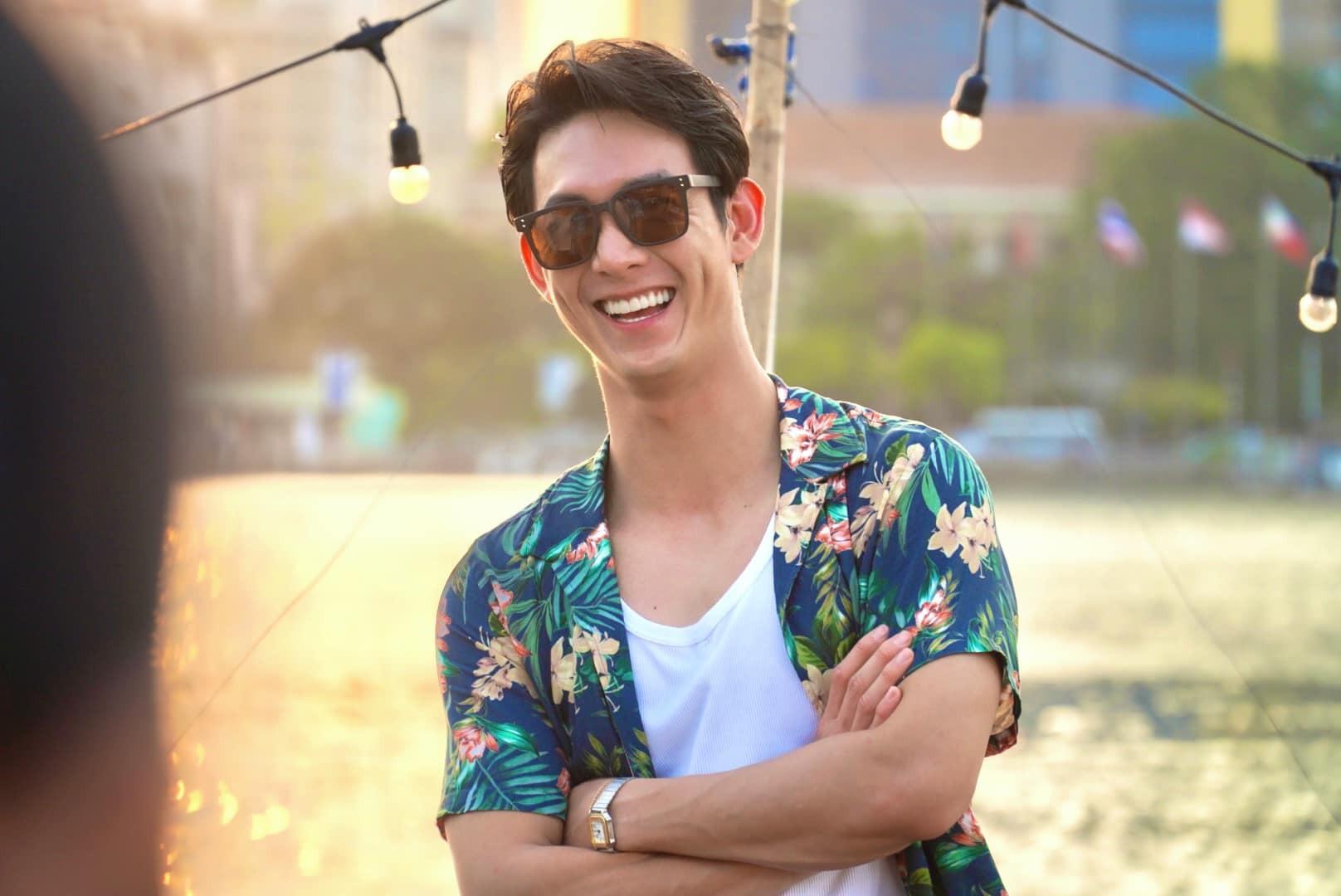 Như nhiều đồng nghiệp, ca sĩ - diễn viên Song Luân bị hủy hết lịch quay quay quảng cáo. Hiện tại, anh dành thời gian ở nhà nghiên cứu kịch bản mới và chuẩn bị cho dự án âm nhạc cá nhân.