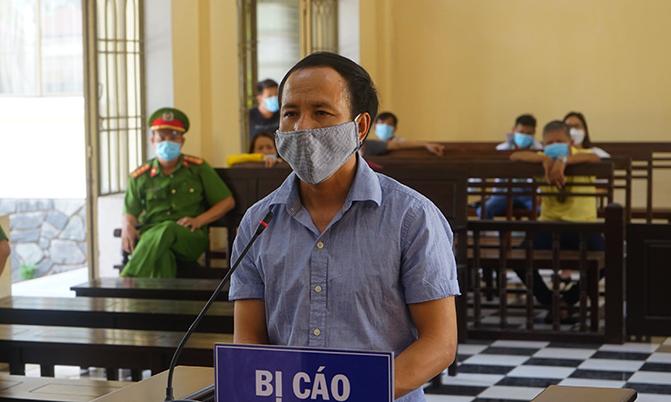 Phan Đại Hoàng tại phiên tòa sơ thẩm sáng 4/6. Ảnh: Sơn Thủy.